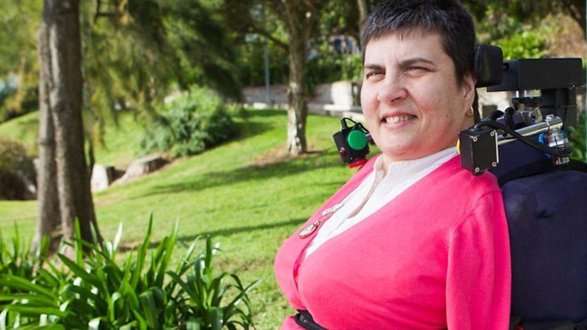 Αποζημίωση πολλών εκατομμυρίων σε γυναίκα που γεννήθηκε χωρίς χέρια και πόδια – ΒΙΝΤΕΟ   Newsit.gr