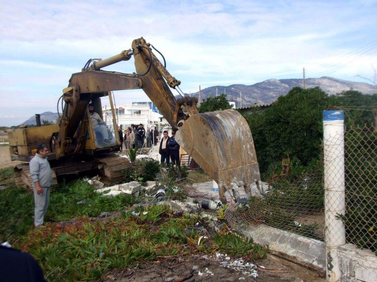 Παγώνουν οι κατεδαφίσεις αυθαιρέτων μέχρι τις εκλογές   Newsit.gr