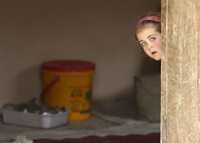 Επτά παιδιά κι ένας ηλικιωμένος πέθαναν από εκρήξεις βομβών στο Αφγανιστάν | Newsit.gr