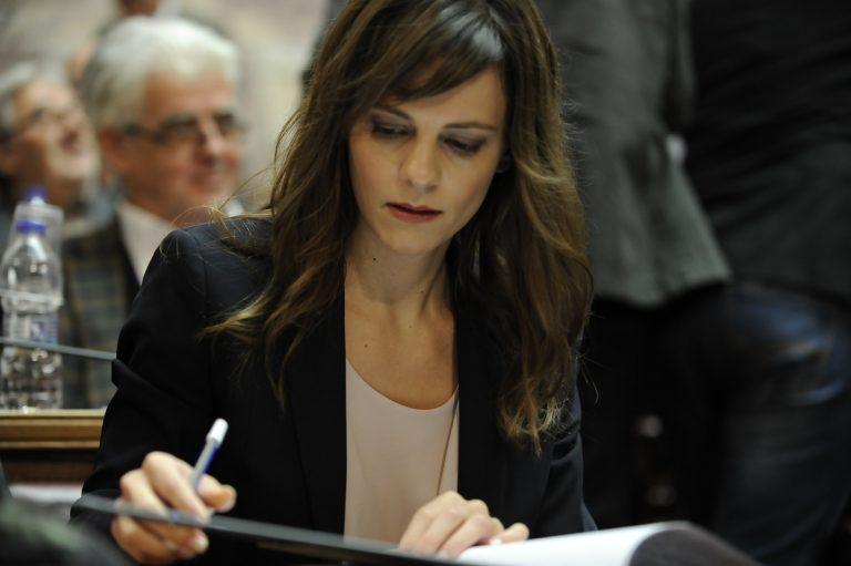 Πιτέλα σε Αχτσιόγλου: Να ισχύσει το κοινοτικό κεκτημένο για τα εργασιακά | Newsit.gr