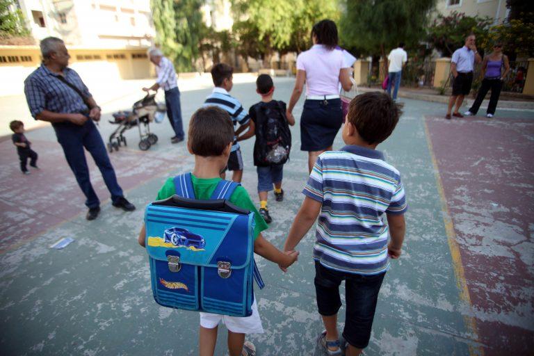 Πάτρα: Τη Δευτέρα στο αυτόφωρο ο Αλβανός που παρενοχλούσε παιδάκια έξω από σχολείο | Newsit.gr