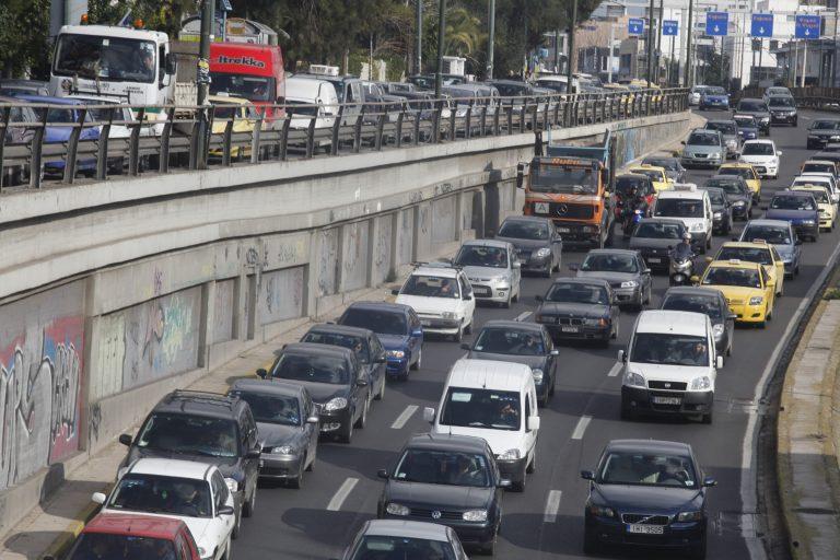 Σε «ελεύθερη πτώση» η αγορά αυτοκινήτου | Newsit.gr