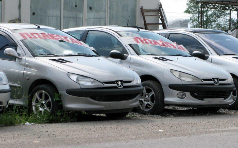 Ενα δισ ευρώ χάνει το κράτος από τη μείωση στις πωλήσεις των Ι.Χ.   Newsit.gr