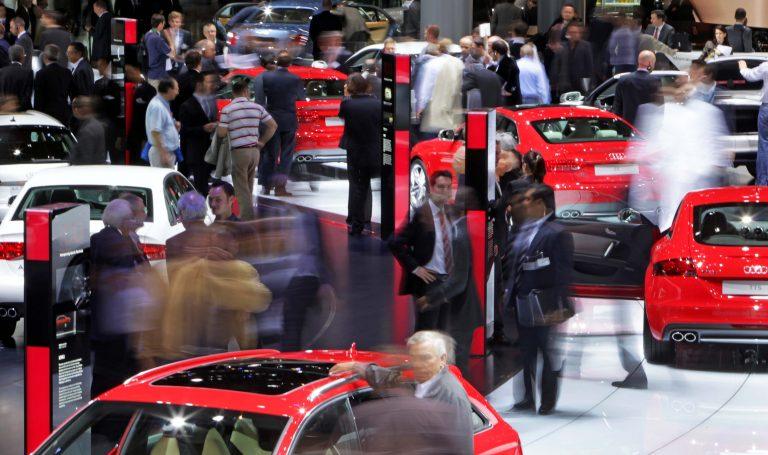 Σερφάρισμα μέσα στο αυτοκίνητο | Newsit.gr