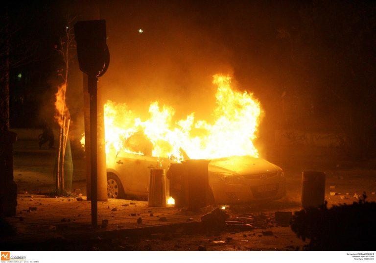 Θεσσαλονίκη: Έκαψαν αυτοκίνητο   Newsit.gr