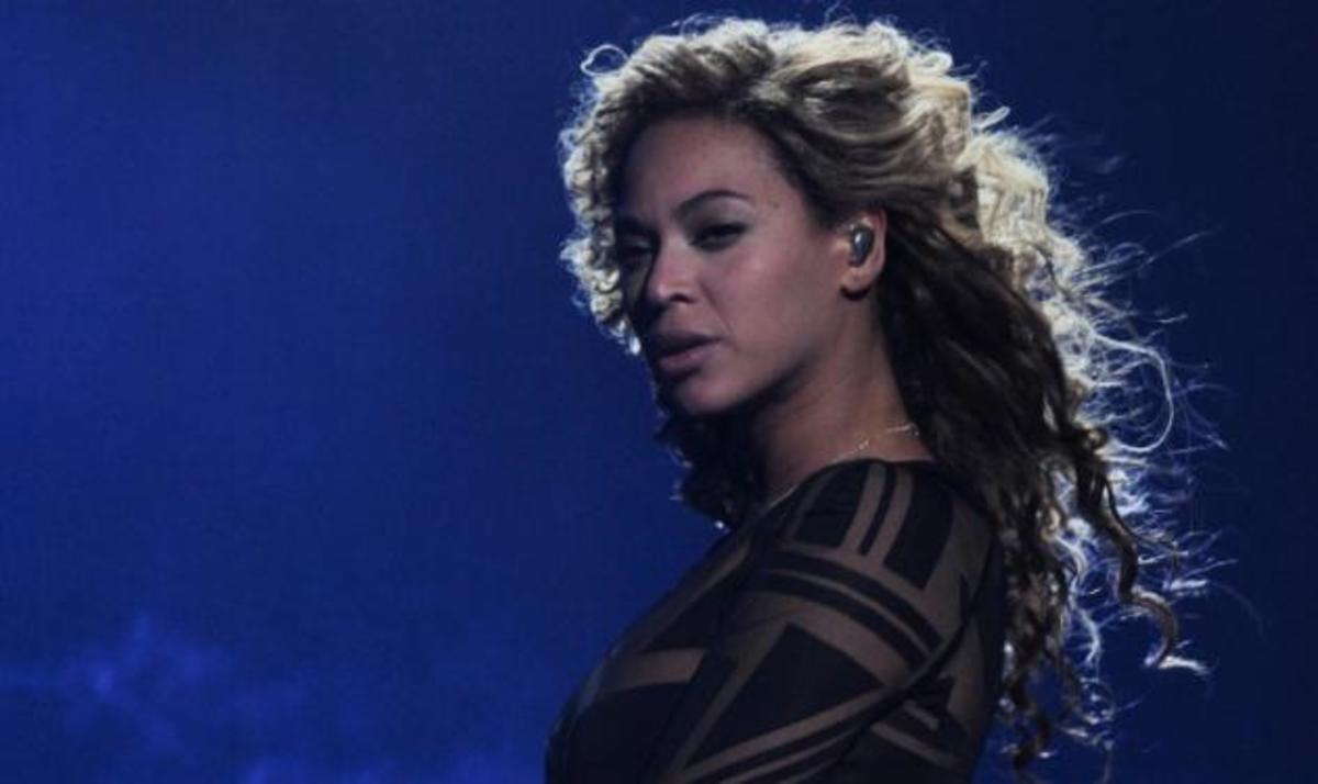 Η Beyonce – πιο σέξι από ποτέ – για πρώτη φορά στη σκηνή μετά τη γέννηση της κόρης της | Newsit.gr