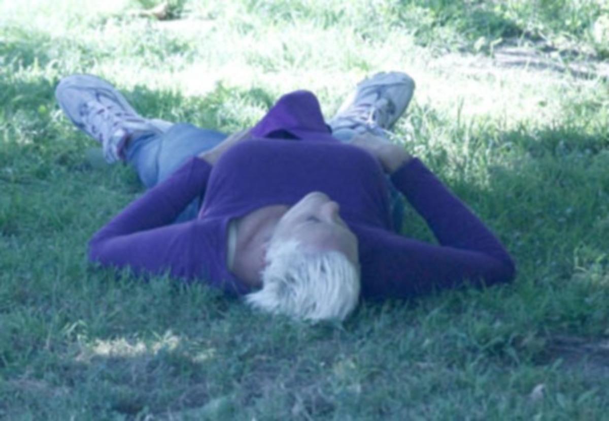 Πασίγνωστη ηθοποιός μεθυσμένη και σε άθλια κατάσταση σε πάρκο! | Newsit.gr