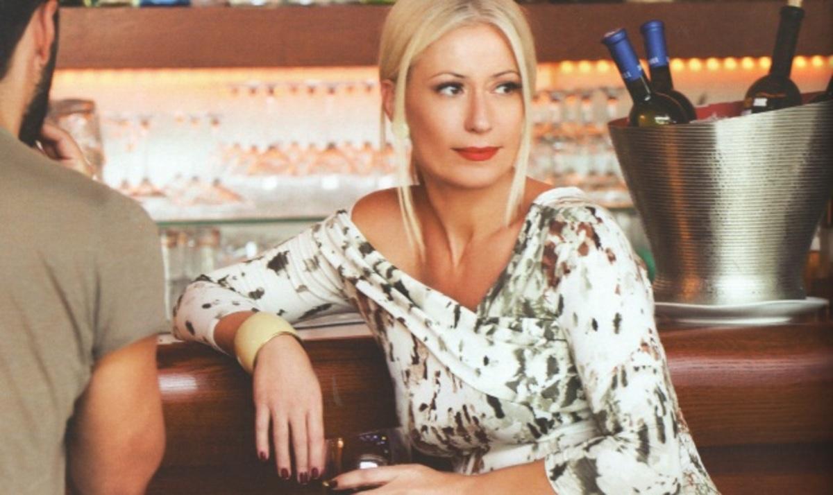 Μ. Μπακοδήμου: Φωτογραφίζεται με τα ρούχα που σχεδίασε και μιλά για τα παιδιά της! | Newsit.gr