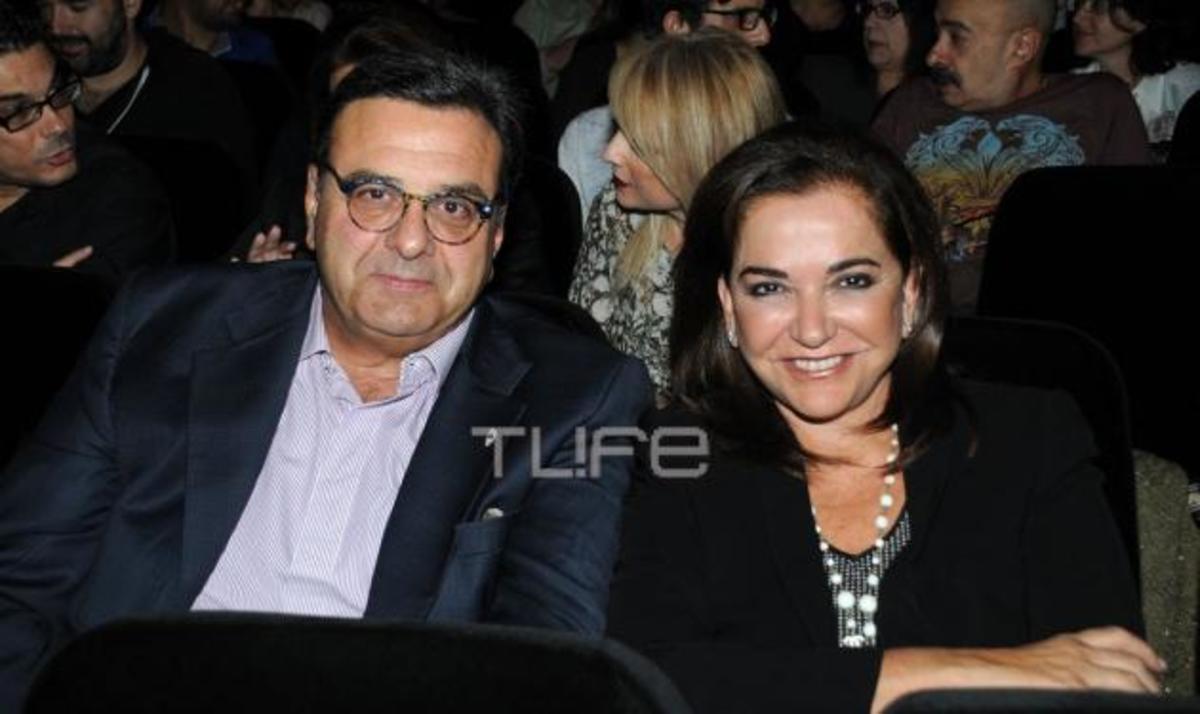 Ν. Μπακογιάννη: Στο θέατρο με την οικογένειά της! Φωτογραφίες | Newsit.gr