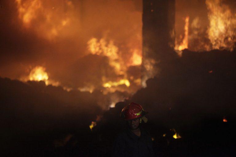 Διπλή τραγωδία στο Μπαγκλαντές – Πάνω απο 130 νεκροί | Newsit.gr