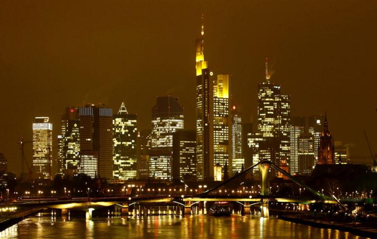 Γερμανία: Ευκολότερες προσλήψεις και απολύσεις στις τράπεζες ελέω Brexit | Newsit.gr