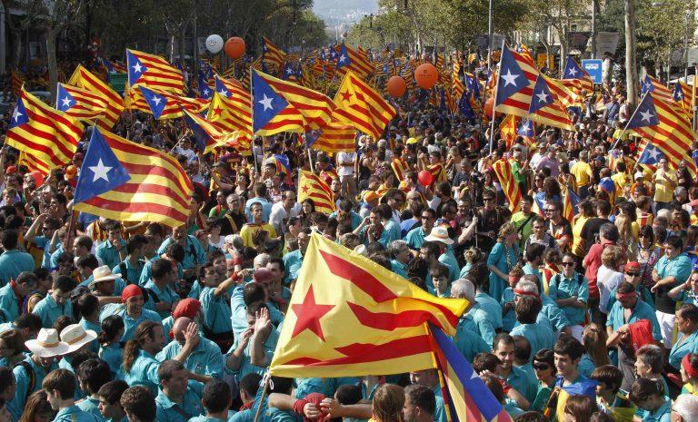 Βαρκελώνη: Τεράστια διαδήλωση για την Καταλονία   Newsit.gr