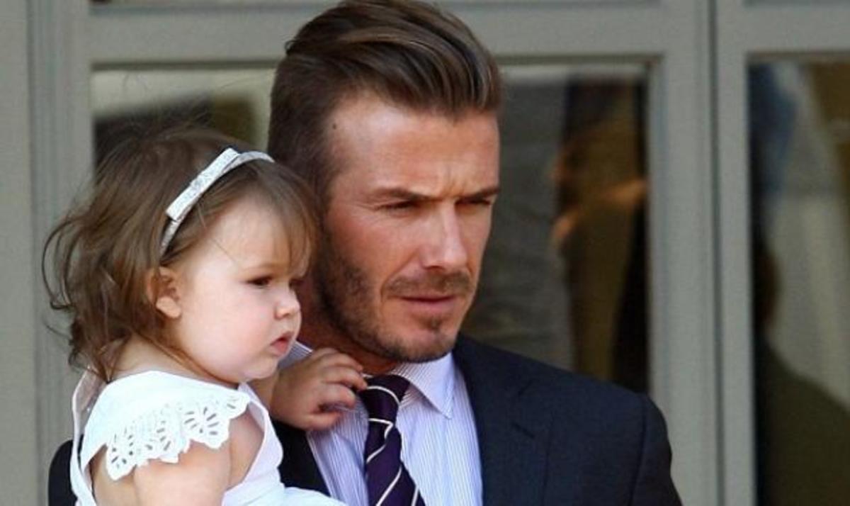 D. Beckham: Βόλτα με τις δυο γυναίκες της ζωής του! Φωτογραφίες | Newsit.gr