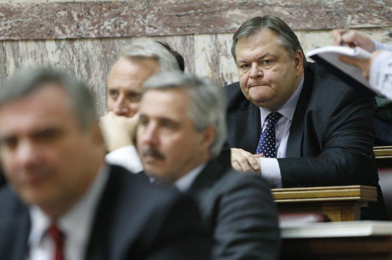 Τον ρίχνει ο Βενιζελος; | Newsit.gr