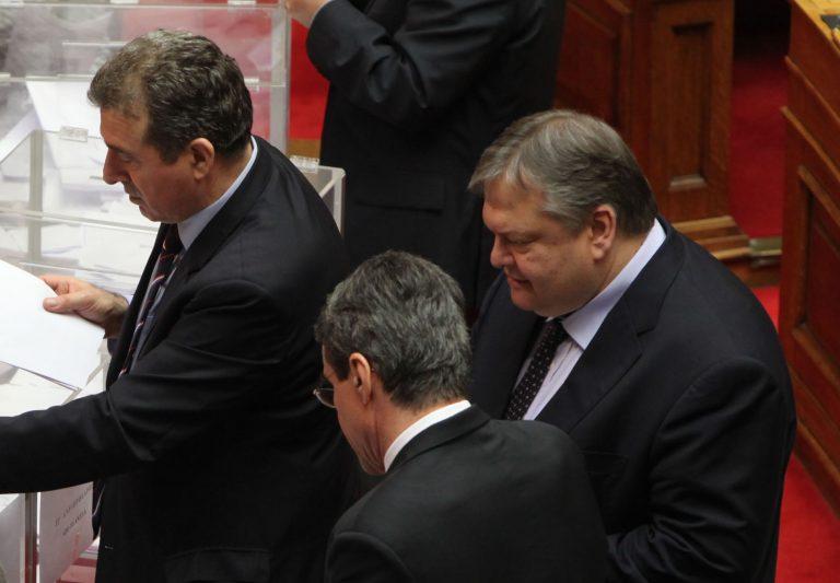 Σκληρή κόντρα στο ΠΑΣΟΚ – Υπουργοί θέλουν να γίνουν Λοβέρδος και Χρυσοχοϊδης κόντρα στην επίσημη γραμμή του κόμματος   Newsit.gr