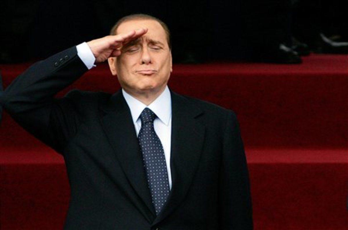 Κλόουν ο Μπερλουσκόνι και ο Γκρίλο» | Newsit.gr