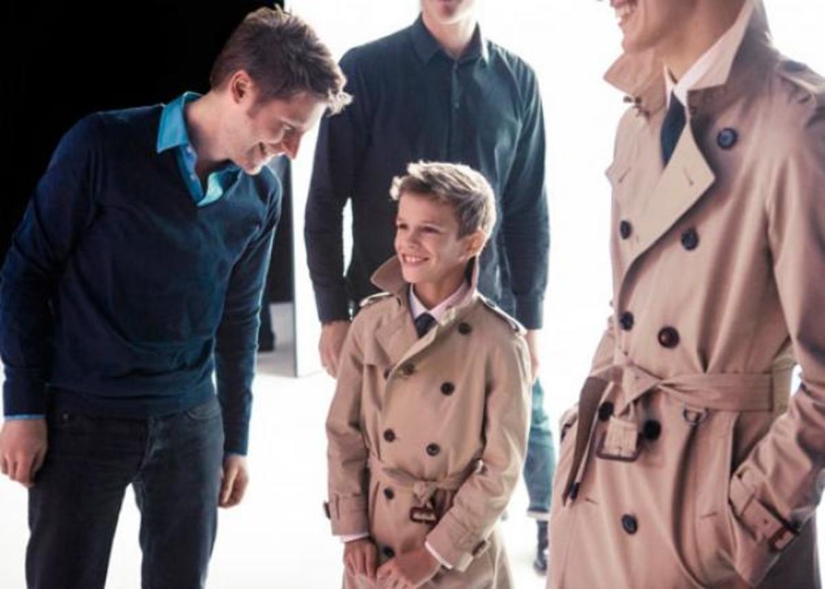 Romeo Beckham: O μικρός της οικογένειας πρωταγωνιστεί στην καμπάνια Burberry! | Newsit.gr