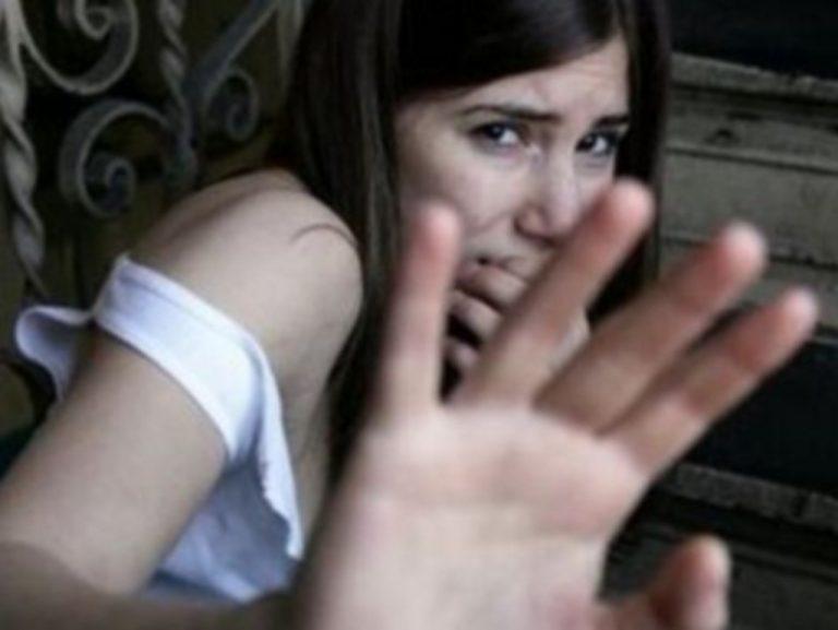 Ηλεία: Βίαζε την 12χρονη κόρη του και ανάγκαζε τον ανήλικο γιου του να τραβάει βίντεο! | Newsit.gr