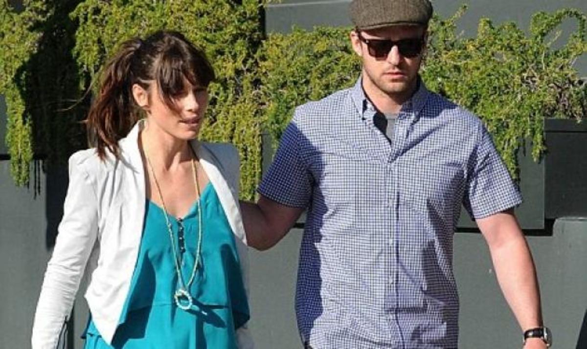 J. Biel: Κάνει βόλτα με τον αρραβωνιαστικό της  J. Timberlake και μας δείχνει το μονόπετρο! | Newsit.gr