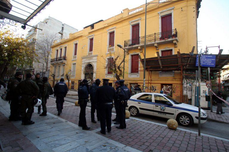 Επεισόδια στα δικαστήρια για τους συλληφθέντες της Βίλας Αμαλία | Newsit.gr