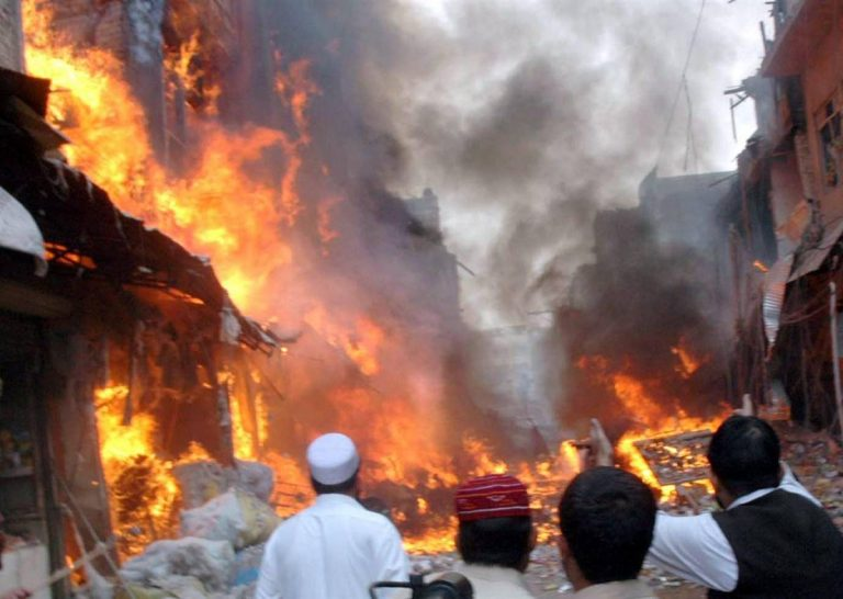 Λουτρό αίματος στο Πακιστάν – 19 νεκροί απο έκρηξη   Newsit.gr