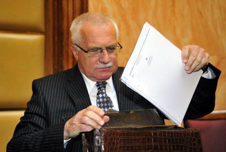 Υπέγραψε ο Κλάους τη Συνθήκη της Λισαβόνας | Newsit.gr