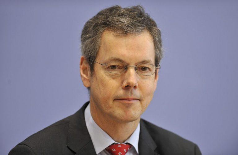 Γερμανός «σοφός»: Έρχεται νέο «κούρεμα» για την Ελλάδα | Newsit.gr
