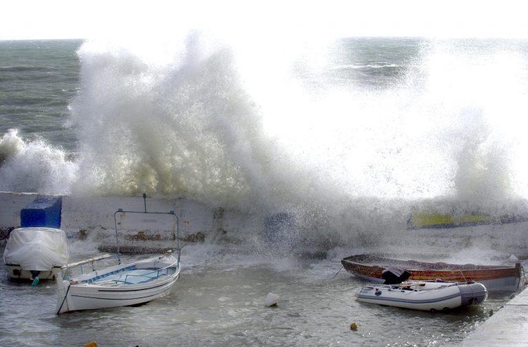 Επικίνδυνα καιρικά φαινόμενα στην Κρήτη | Newsit.gr