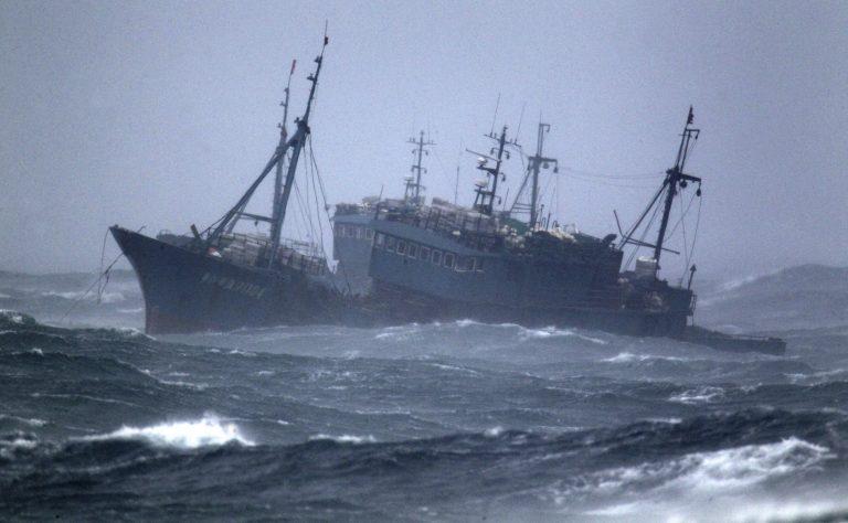 Αγωνία για 31 ψαράδες που αγνοούνται μεσοπέλαγα   Newsit.gr