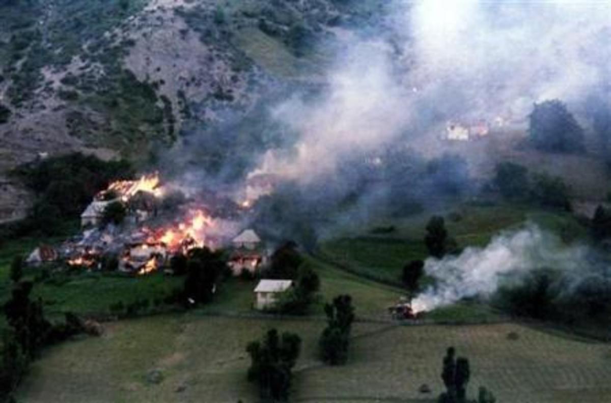 10.000 άνθρωποι αγνοούνται απο τον πόλεμο της Βοσνίας   Newsit.gr