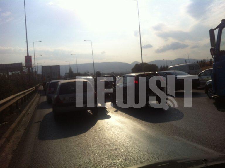Πανικός στην παραλιακή από μια στάλα νερό! | Newsit.gr