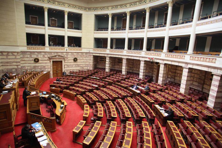 Τη λίστα με τους πολιτικούς που ελέγχονται απο ΣΔΟΕ ζητά η επιτροπή Πόθεν Έσχες | Newsit.gr