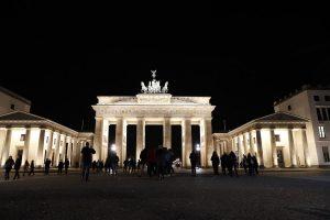 Αγία Πετρούπολη: Οργή για την «φωτεινή» πύλη του Βραδεμβούργου!