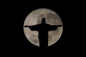 Δημοσκόπηση: Οι Βραζιλιάνοι αποδίδουν την οικονομική τους κατάσταση «στον Θεό»