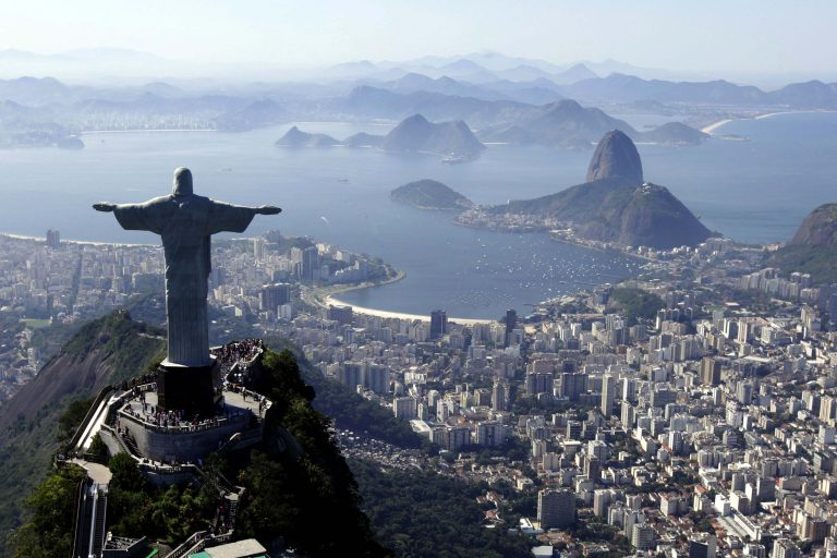 136 εκατομμύρια Βραζιλιάνοι ψηφίζουν για Πρόεδρο της χώρας | Newsit.gr