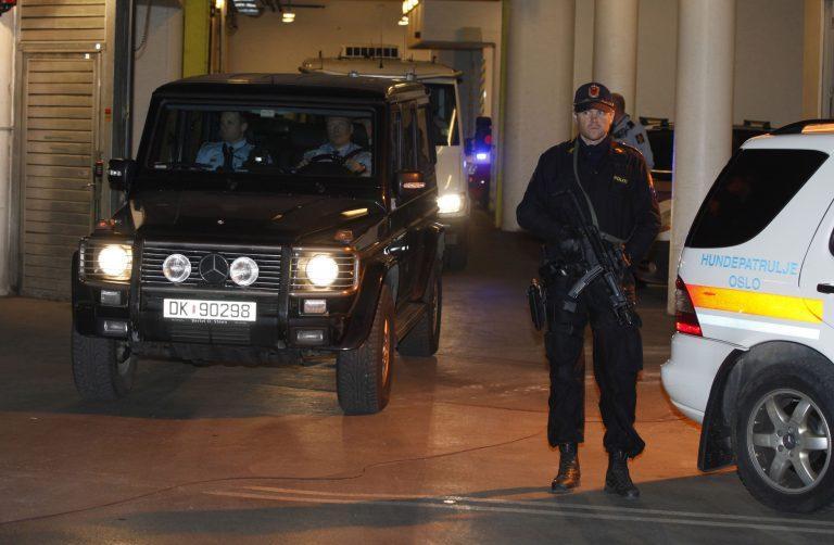 Πρώτη δημόσια εμφάνιση του Μπρέιβικ ενώπιον του δικαστηρίου – ΦΩΤΟ | Newsit.gr