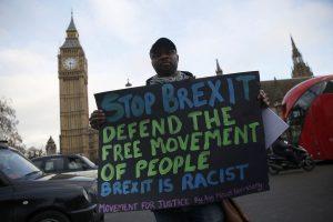 Σοκ με απόρρητο ευρωπαϊκό έγγραφο: Το πρόβλημα των Βρετανών μετά το Brexit