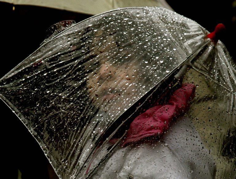 Μετά τη σκόνη έρχονται βροχές   Newsit.gr
