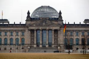 """""""Πόρτα"""" από τα διαρθρωτικά ταμεία, χωρίς κράτος δικαίου προτείνει η Γερμανία"""