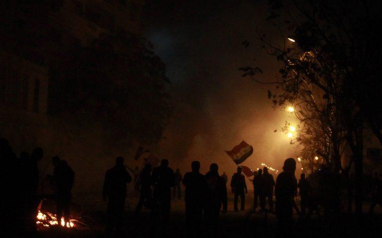Διαδήλωση με δακρυγόνα και τραυματίες στο Κάιρο | Newsit.gr