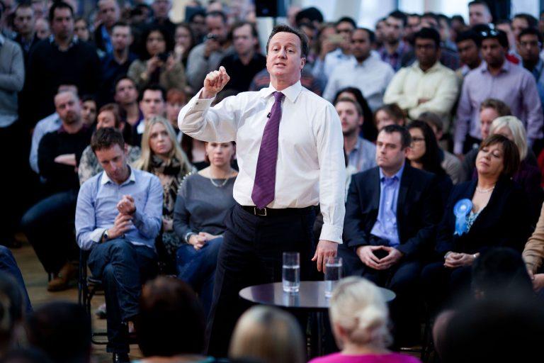 Οι μισοί Βρετανοί θα ψήφιζαν υπέρ της εξόδου από την ΕΕ, σύμφωνα με δημοσκόπηση | Newsit.gr