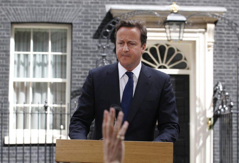 «Χάσατε κι εσείς τη νομιμότητα σας κύριε Κάμερον» – Ποιος… «εκδικείται» τον Βρετανό πρωθυπουργό; | Newsit.gr
