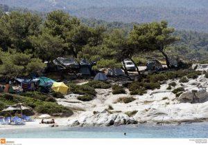 Αποποινικοποίηση του ελεύθερου κάμπινγκ ζητούν 38 βουλευτές του ΣΥΡΙΖΑ!