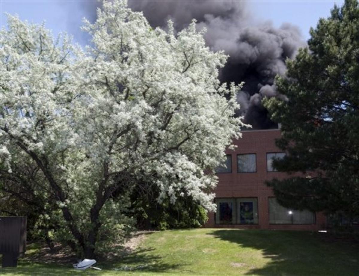 Δύο νεκροί από συντριβή αεροσκάφους σε κτίριο στον Καναδά | Newsit.gr