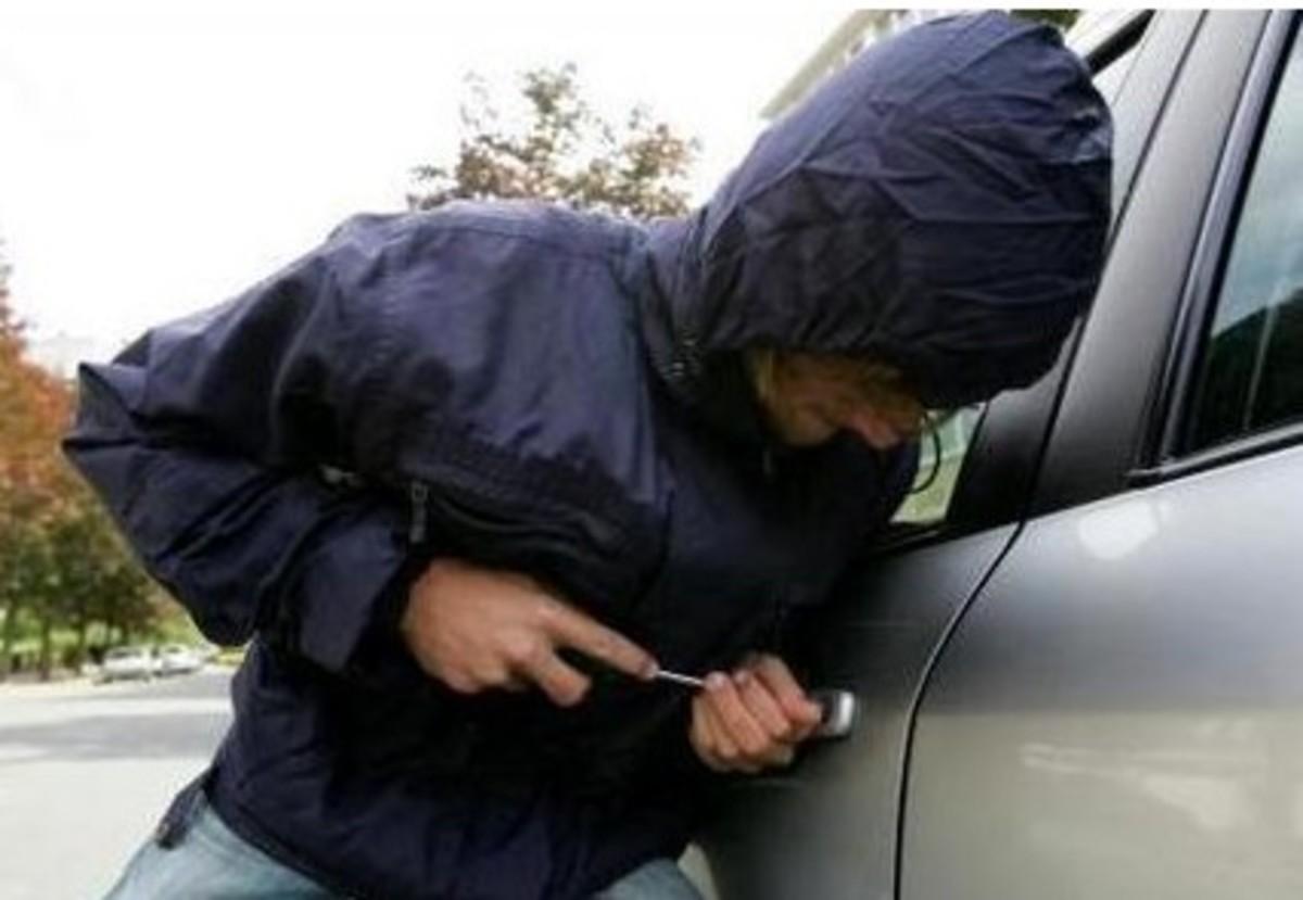 Ηράκλειο: Είχαν «ειδίκευση» στη διάρρηξη αυτοκινήτων!   Newsit.gr