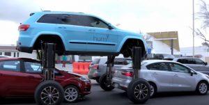 Το ιδανικό αυτοκίνητο για να μην ξανακολλήσετε στην κίνηση! [vid]