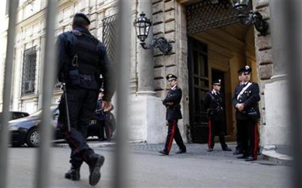 Μαχαίρωσε έναν στρατιωτικό και έναν αστυνομικό – Συναγερμός στην Ιταλία | Newsit.gr