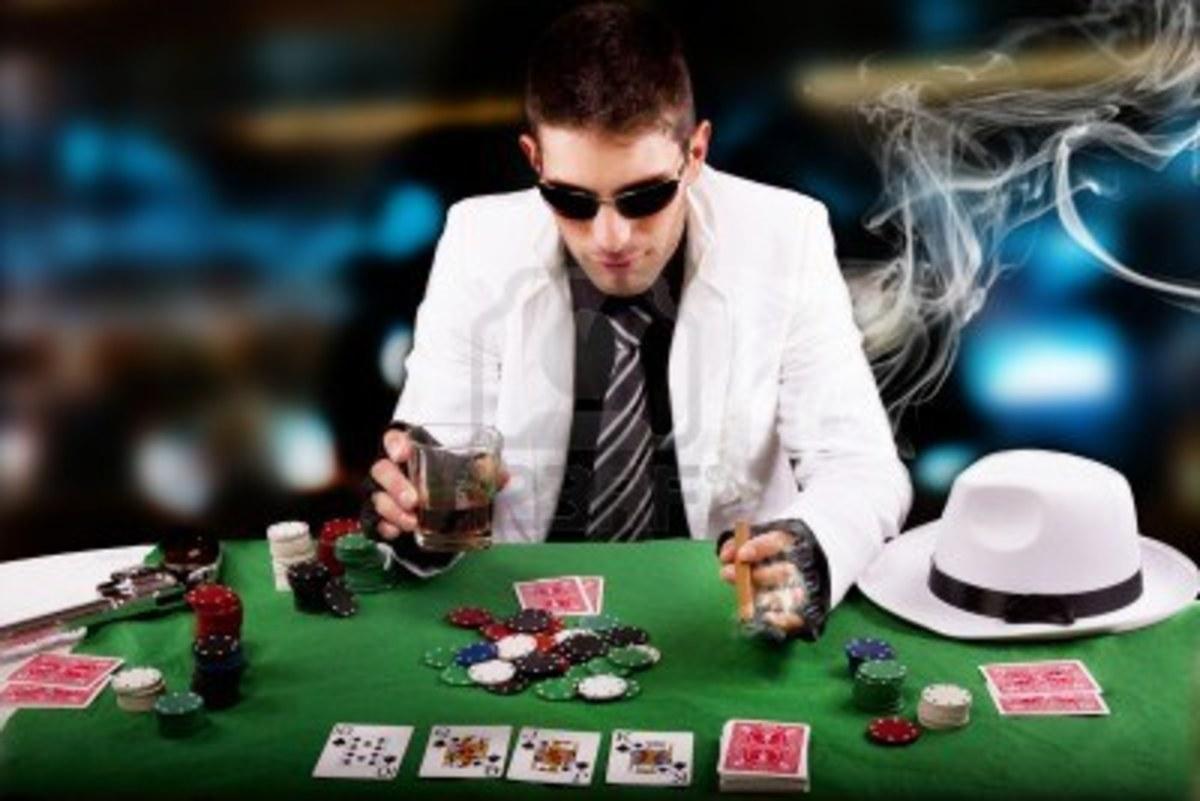 Κάπνισμα, χαρτοπαιξία και βιντεοπαιχνίδια   Newsit.gr