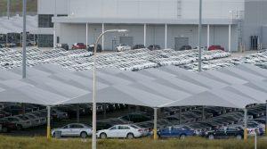 """Τέλη κυκλοφορίας αυτοκινήτων: Δυο αυξήσεις φωτιά και μια μείωση για τα """"σαραβαλάκια"""""""