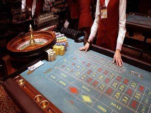 «Σκοτωμός» για το Καζίνο Πάρνηθας: «Η κα Τσακαλώτου πετάει στο δρόμο 2.000 εργαζόμενους!»